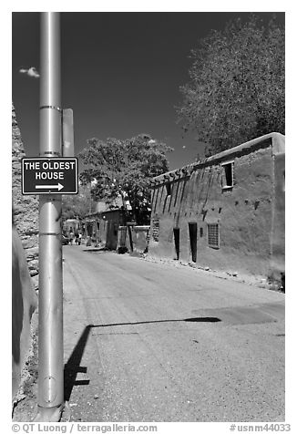 Street with Oldest House sign. Santa Fe, New Mexico, USA (black and white)