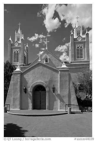 San Felipe de Neri church. Albuquerque, New Mexico, USA (black and white)