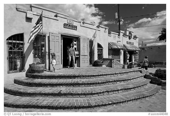 Adobe store, old town. Albuquerque, New Mexico, USA (black and white)