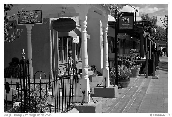 Stores, old town. Albuquerque, New Mexico, USA (black and white)
