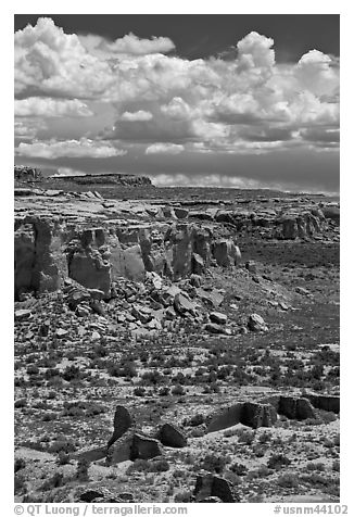 Chetro Ketl and cliffs. Chaco Culture National Historic Park, New Mexico, USA (black and white)
