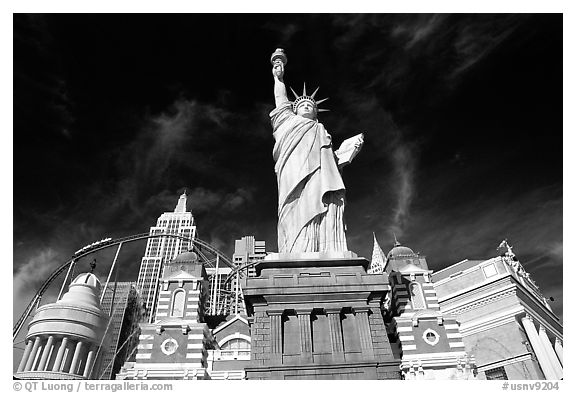 New York New York casino. Las Vegas, Nevada, USA (black and white)