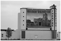 Mission drive-in theatre. San Antonio, Texas, USA ( black and white)