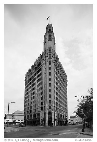 Emily Morgan hotel. San Antonio, Texas, USA (black and white)