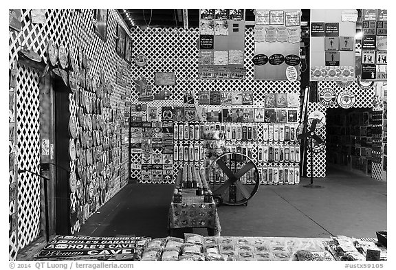 Souvenir shop. Fredericksburg, Texas, USA (black and white)