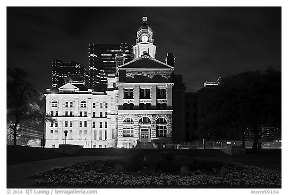 Courthouse at night. Fort Worth, Texas, USA (black and white)