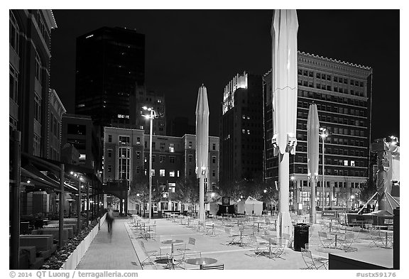 Public square at night. Fort Worth, Texas, USA (black and white)