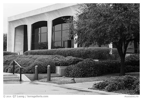Ammon Carter Museum. Fort Worth, Texas, USA (black and white)