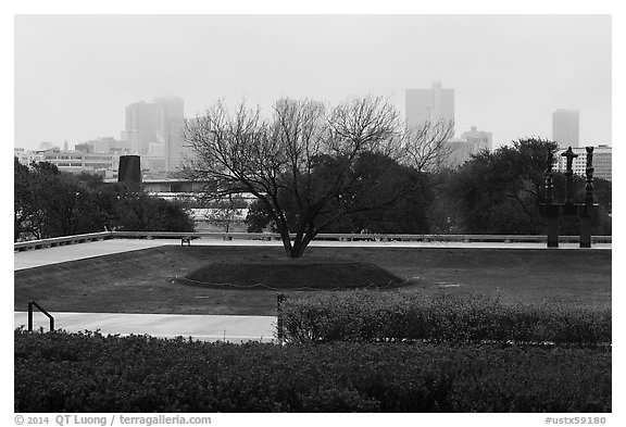 Fort Worth skyline from sculpture garden of Ammon Carter Museum. Fort Worth, Texas, USA (black and white)