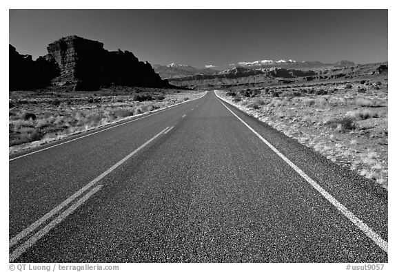 Black and white picture photo road sandstone cliffs snowy mountains utah usa