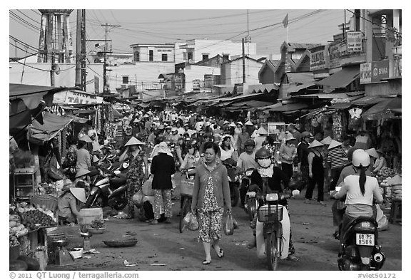 Crowds in public market, Duong Dong. Phu Quoc Island, Vietnam (black and white)