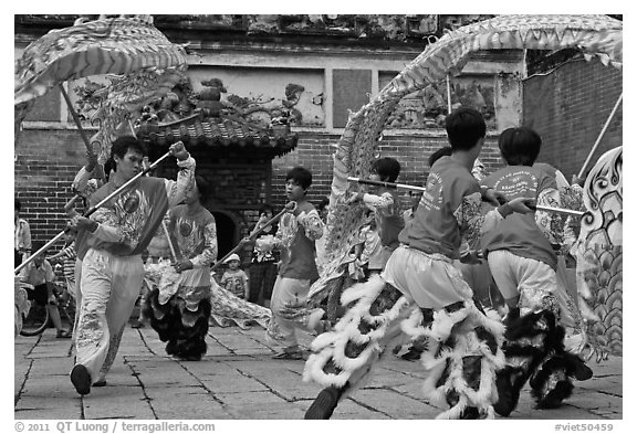 Traditional dragon dance, Thien Hau Pagoda, district 5. Cholon, District 5, Ho Chi Minh City, Vietnam (black and white)
