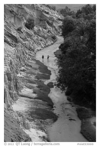Fairy Stream and two hikers from above. Mui Ne, Vietnam (black and white)
