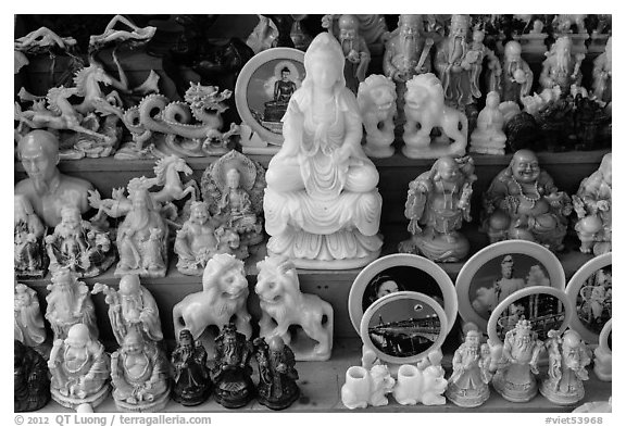 Stone-cutting crafts. Da Nang, Vietnam (black and white)
