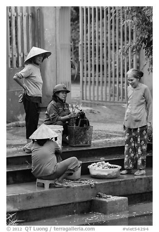Villagers washing laundry, Thanh Toan. Hue, Vietnam (black and white)