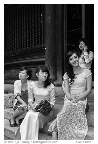 Bridal party, Temple of the Litterature. Hanoi, Vietnam (black and white)