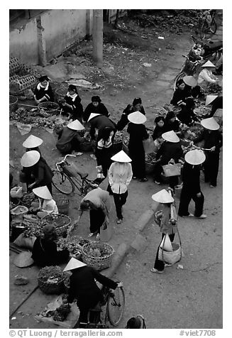 Ky Lua Market,  Cao Bang. Northeast Vietnam (black and white)