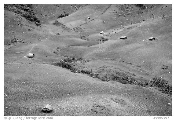 Homes on hillside, between Yeu Chau and Son La. Northwest Vietnam (black and white)