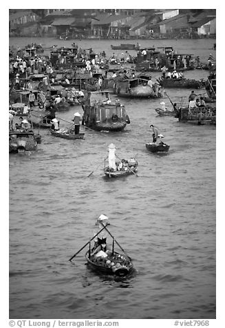 Boats at the Cai Rang floating market. Can Tho, Vietnam
