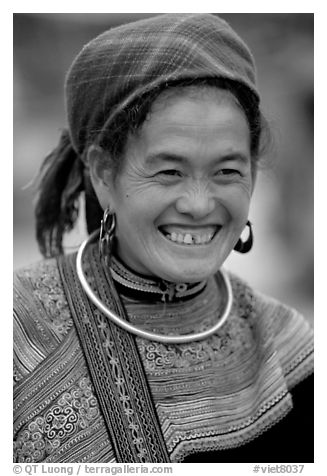 Flower Hmong woman in everyday ethnic dress,  Bac Ha. Vietnam (black and white)