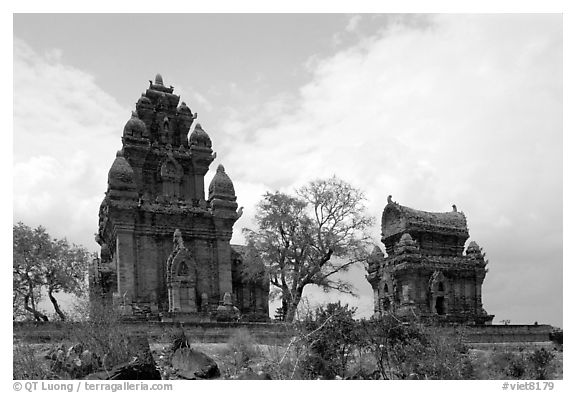 Cham towers, Po Klong Garai. Vietnam (black and white)