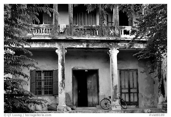 Old house, Hoi An. Hoi An, Vietnam (black and white)