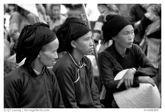 Ethnic minority women. Sapa, Vietnam (black and white)