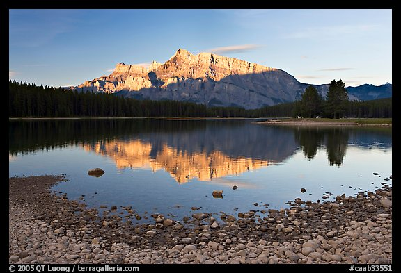 Two Jack Lake shore and Mt Rundle, early morning. Banff National Park, Canadian Rockies, Alberta, Canada
