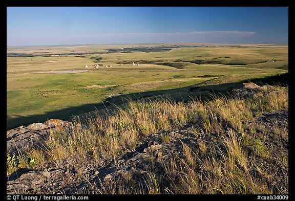 Plain seen from the top of the cliff, late afternoon, Head-Smashed-In Buffalo Jump. Alberta, Canada (color)