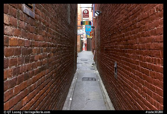 Fan Tan Alley, Chinatown. Victoria, British Columbia, Canada (color)