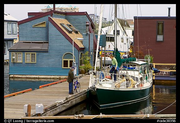 Yacht and houseboats. Victoria, British Columbia, Canada (color)