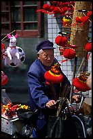 Lantern seller. Chengdu, Sichuan, China ( color)