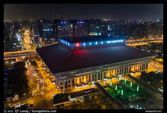 Central station seen from above by night. Taipei, Taiwan (color)