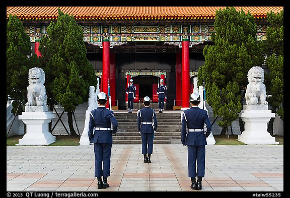 Changing of the guard ceremony, Martyrs Shrine. Taipei, Taiwan (color)