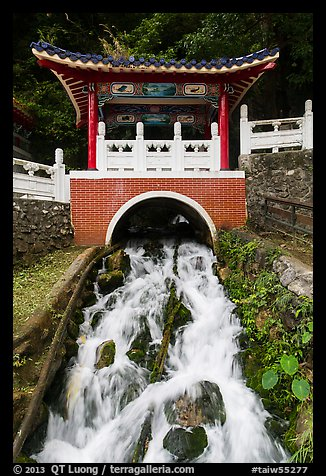 Stream flowing under Changchun Bridge. Taroko National Park, Taiwan (color)