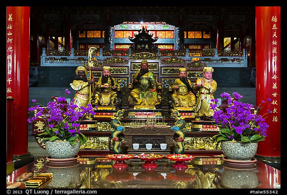Confuscian statues on altar, Wen Wu temple. Sun Moon Lake, Taiwan (color)