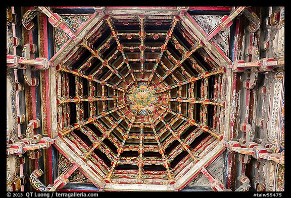 Intricate wooden plafond ceiling, Longshan Temple. Lukang, Taiwan (color)