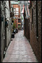 Narrow alley. Lukang, Taiwan ( color)