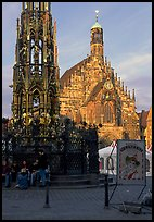 Schoner Brunnen (fountain) and Liebfrauenkirche (church of Our Lady) on Hauptmarkt. Nurnberg, Bavaria, Germany