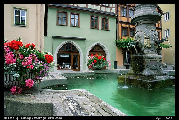 Fountain and houses. Rothenburg ob der Tauber, Bavaria, Germany