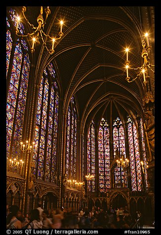 Upper Holy Chapel. Paris, France (color)