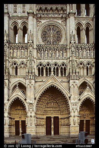 picture photo frontal view of notre dame cathedral west. Black Bedroom Furniture Sets. Home Design Ideas