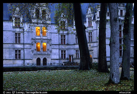 Azay-le-rideau chateau at dusk. Loire Valley, France