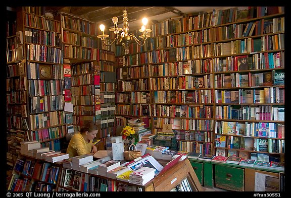 Shakespeare and Company bookstore. Quartier Latin, Paris, France