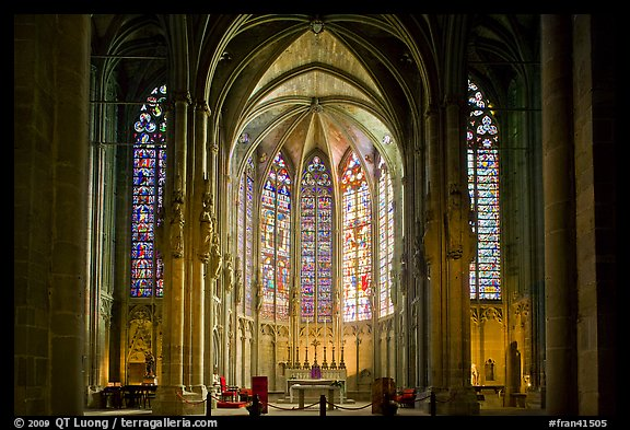 Interior and stained glass windows, basilique Saint-Nazaire. Carcassonne, France (color)