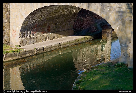 Stone bridge across Canal du Midi. Carcassonne, France (color)