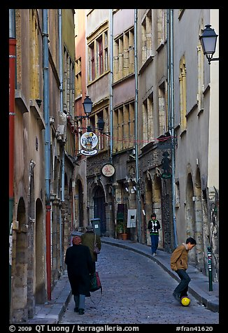 Narrow street in old city. Lyon, France (color)