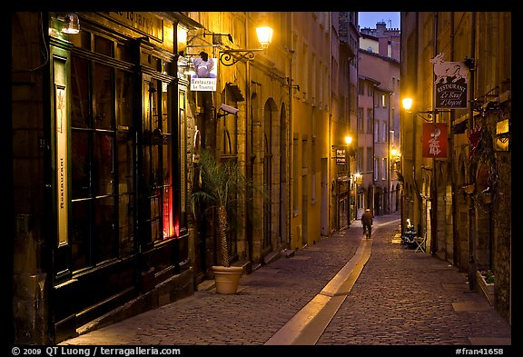 Rue du Boeuf at night. Lyon, France (color)