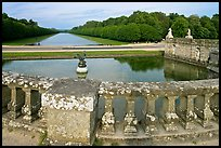 Basin and canal, Chateau de Fontainebleau park. France (color)