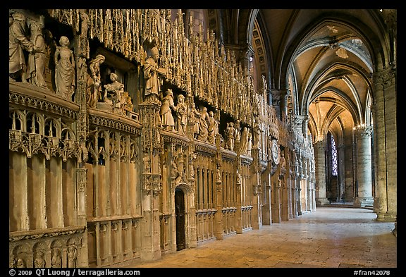 Sanctuary, Cathedrale Notre-Dame de Chartres. France (color)